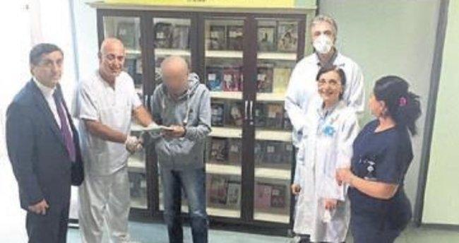 Göğüs hastanesine kütüphane bağışı