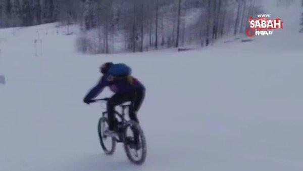 Macera tutkunu genç bisikletiyle kayak pistinde hız denemesi yaptı | Video