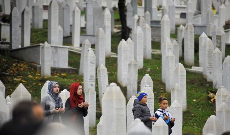 Aliya İzetbegoviç vefatının 13. yılında özlemle anılıyor