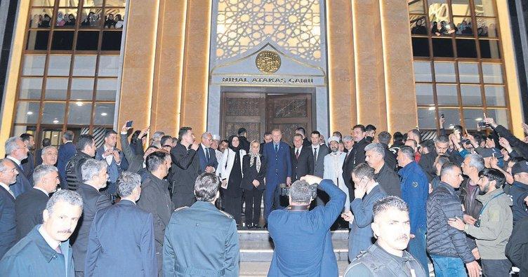 Nihal Atakaş Camisi'nin açılışını Erdoğan yaptı