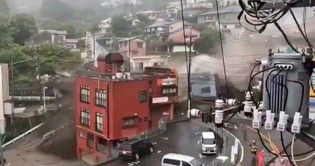 Japonya'da sel felaketi! 20'den fazla kişi kayıp