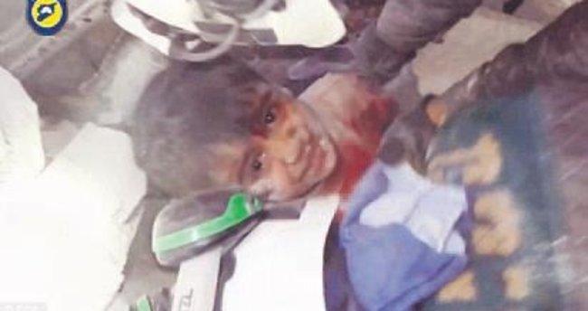 Halep'te bombalar yine çocukların üzerine yağdı