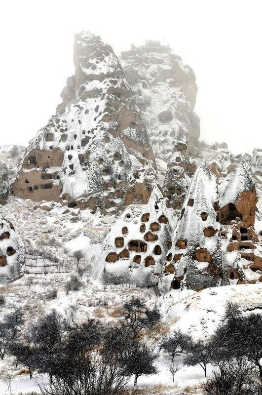 Kapadokya beyaz gelinliğini giydi