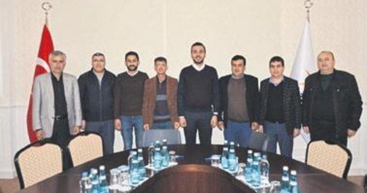 Alanya AK Parti'ye ziyaretçi akını