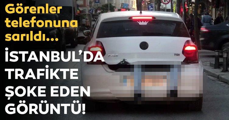İstanbul'da trafikte şoke görüntü! Otomobil bagajında tehlikeli yolculuk
