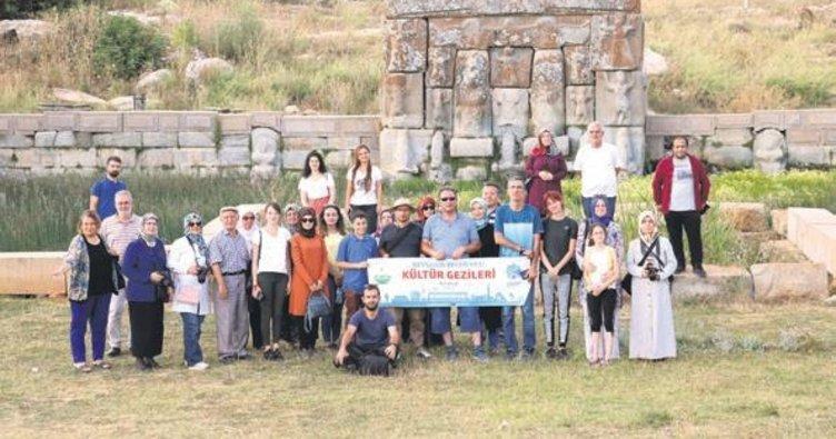 Ziyaretçilerine ücretsiz kültür gezileri