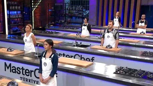 Masterchef ana kadro yarışmacıları için heyecan dorukta! Masterchef Türkiye ana kadro seçmelerinde Serhat son 16'ya kalan ilk isim oldu!