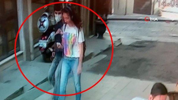 Son dakika...  İstanbul Taksim'de genç kızın dehşeti yaşadığı anlar kamerada! Önce sessizce arkasından böyle yaklaştı | Video