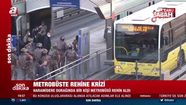 Avcılar istikametinde ilerleyen bir metrobüs rehin alındı   Video