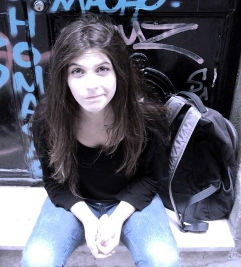 18 yaşındaki genç kız kendini asarak intihar etti!