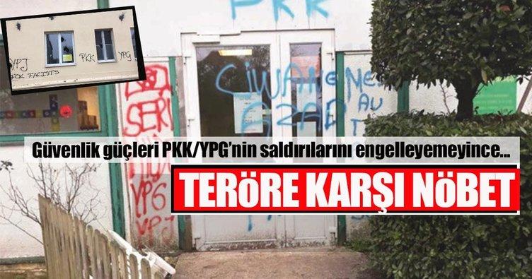 Almanya'daki camilerde teröre karşı nöbet
