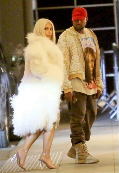 Kim Kardashian saçını yine boyattı