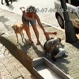 Emniyet Müdürlüğü önünde kadına silahlı saldırı anı ortaya çıktı!