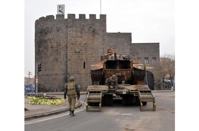 Diyarbakır Sur'a tank takviyesi