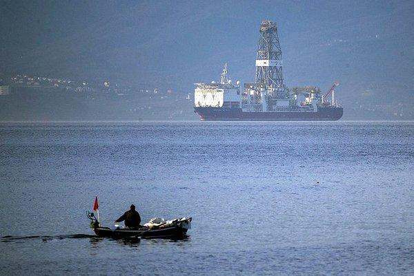 'Türkiye'nin ilk sondaj gemisi' Marmara Denizi'ne geldi