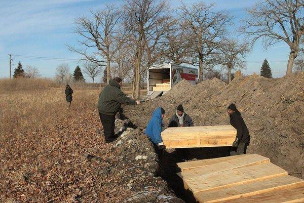 ABD ölülerini toplu mezarlara gömüyor