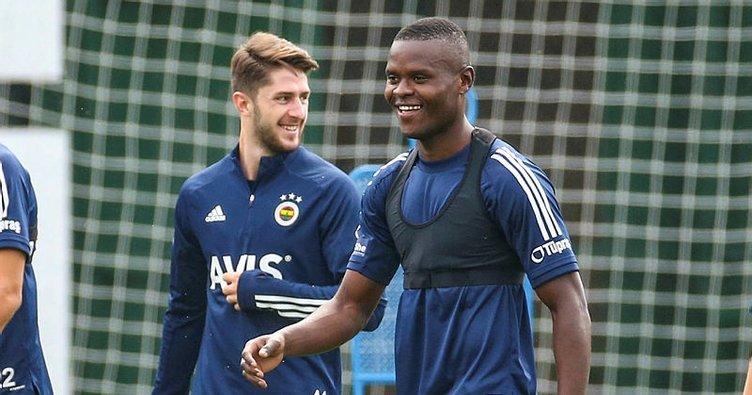 Son dakika: Fenerbahçe'de Samatta'nın lisansı çıktı!