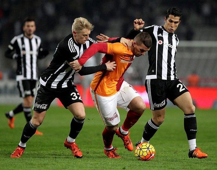 Galatasaraylı futbolcular isyan etti
