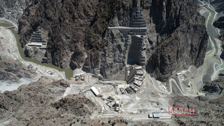 Heyecanla beklenen Yusufeli Barajı projesinden yeni haber! Son 7 metreye girildi