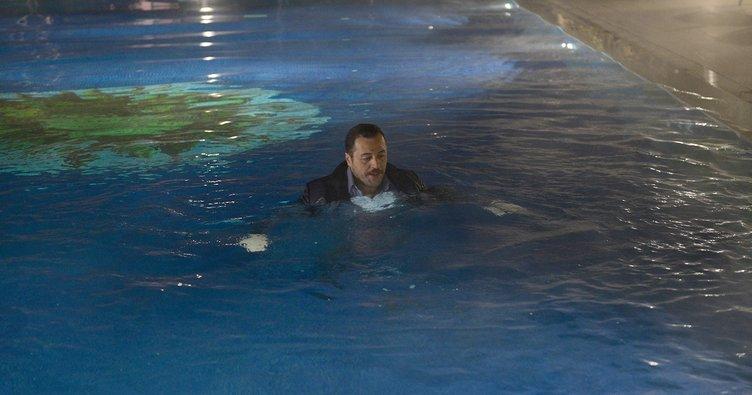 Yetkin Dikinciler buz gibi havuza atladı