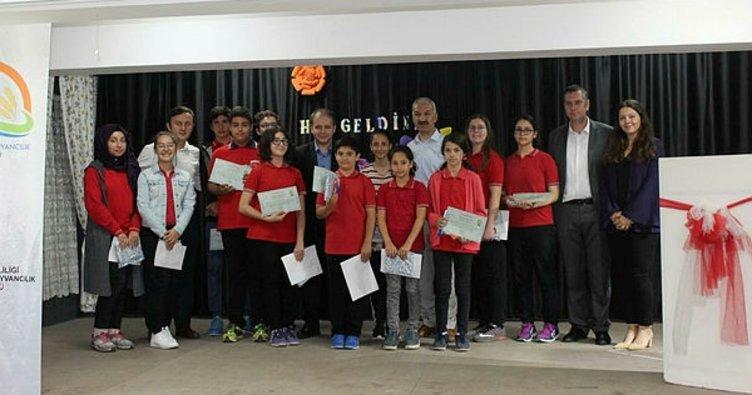 Yarışmalarda derece alan öğrencilere ödülleri verildi