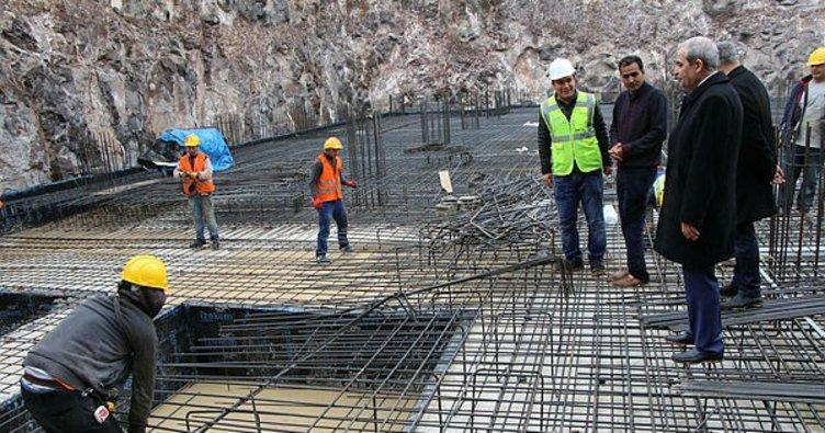 Haliliye'de gençlik ve kültür merkezi inşaatı devam ediyor