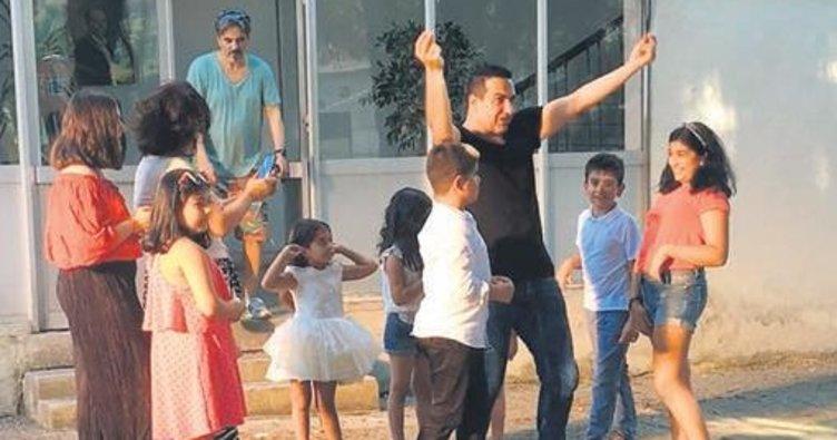 Çocuklarını klibinde oynatmak için 100 bin lira ödedi