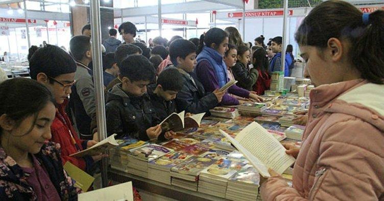 Kitap fuarını 5 günde 75 bin kişi ziyaret etti