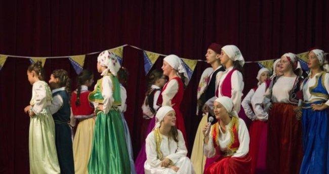 Bosna Hersek'te Folklor Festivali düzenlendi