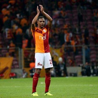 Galatasaray'da Fatih Terim neşteri vuruyor