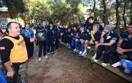 """Fenerbahçe'nin """"Paintball"""" keyfi"""