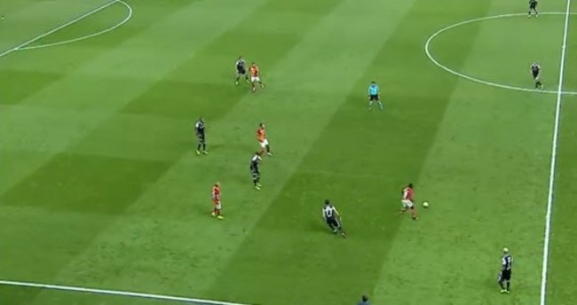 Derbide Bruma'dan mükemmel gol!