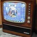 Renkli televizyon yayını haftada dört saate çıkarıldı