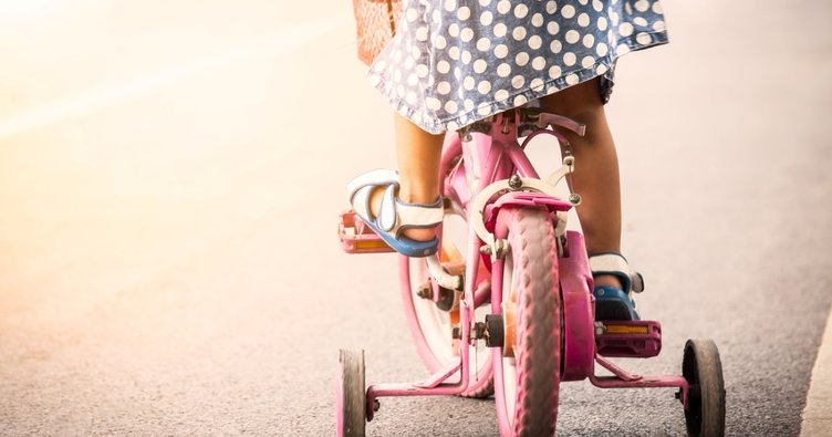 Bebeğinizin 24-26 aylık gelişimi: Üç tekerlekli bisiklet kullanabilir!