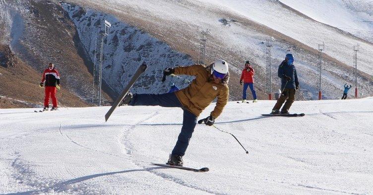 Palandöken'de suni karla kayak keyfi