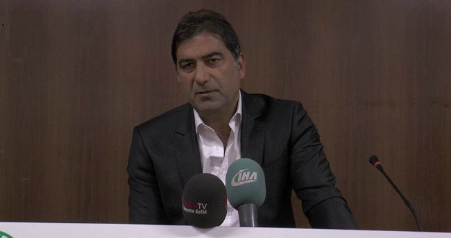 Ünal Karaman istifa etti