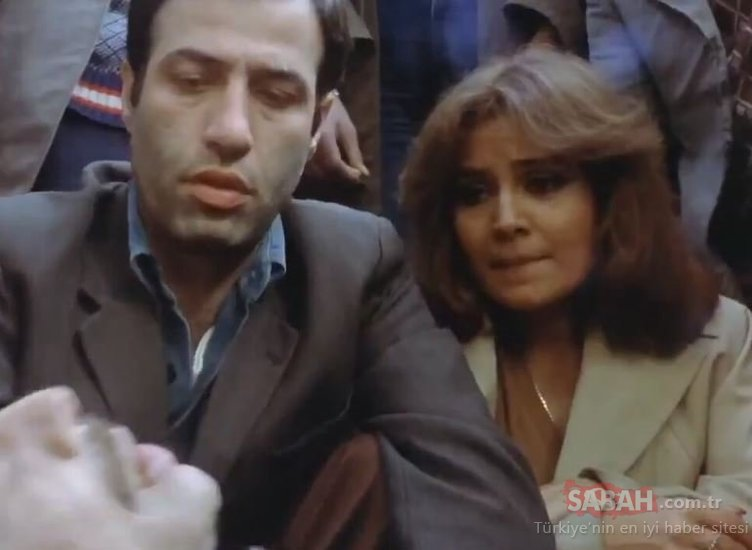 Kemal Sunal filmi Korkusuz Korkak'ın hemşiresi Ayşin Atav meğer ünlü oyuncunun kızıymış... İşte Korkusuz Korkak filminin güzeli Ayşin Atav'ın oyuncu annesi...