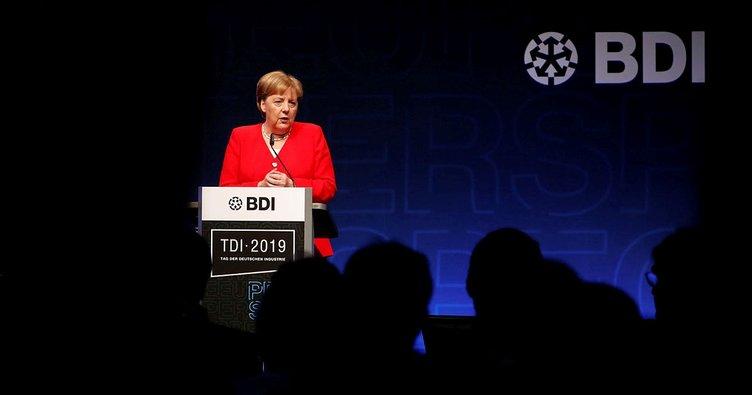 Merkel: AB ve ABD aralarındaki problemi bir an önce çözmeli