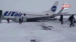 Rus yolcu uçağının kuyruğu piste çarptı, o anlar kamerada | Video