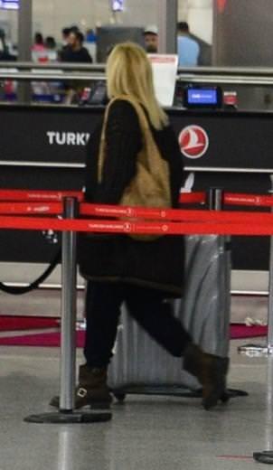 Saba Tümer Mehmet Aslan vıp öpücük