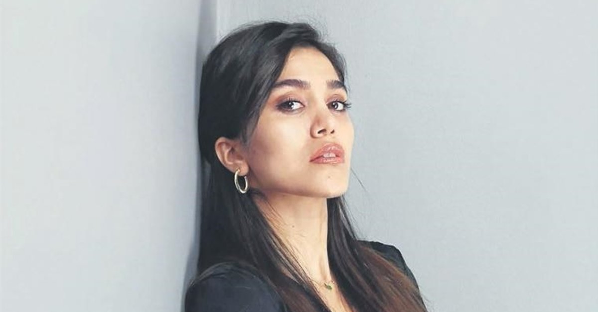 Genç oyuncu Sultan Sarohan eski sevgilisiyle mahkemelik oldu