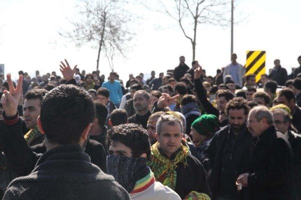 Nevruz'a taşlı kutlama