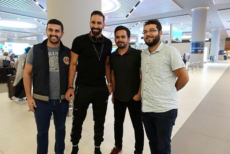 Fenerbahçe'nin yeni transferi Adil Rami İstanbul'a geldi