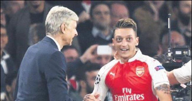 Mesut Özil resti çekti: Wenger kalırsa kalırım