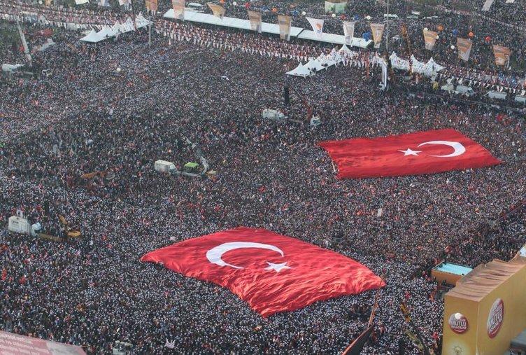 Demokrasi ve Şehitler Mitingine katılacak ünlü isimler