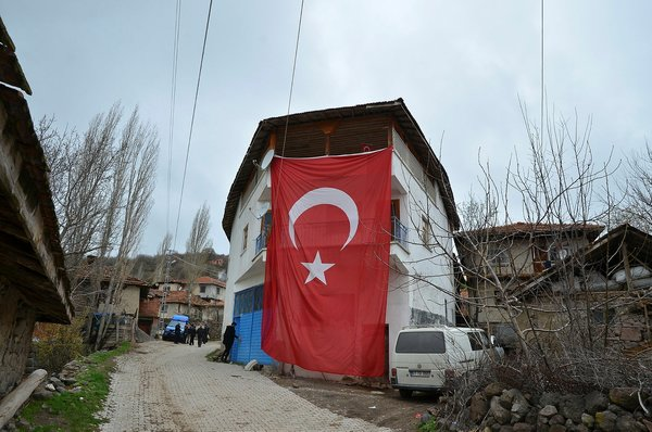 Şehit Hidayet Tokmak memleketi Çorum'da son yolculuğuna uğurlandı