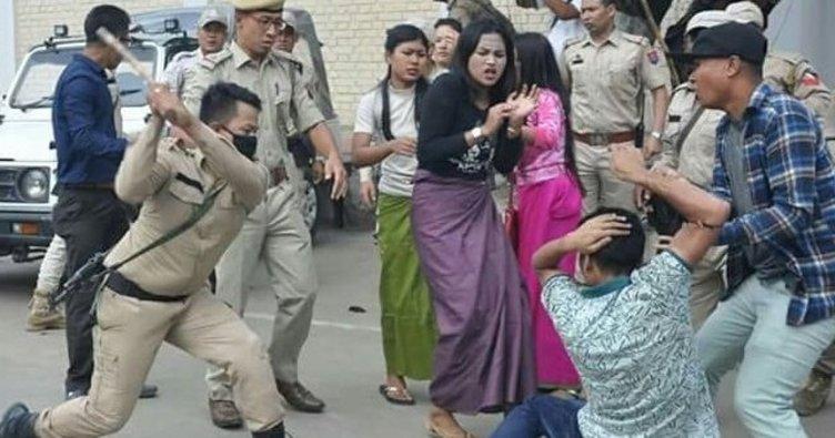 Poliziotti rimasti nel pubblico linciaggio in India esposti