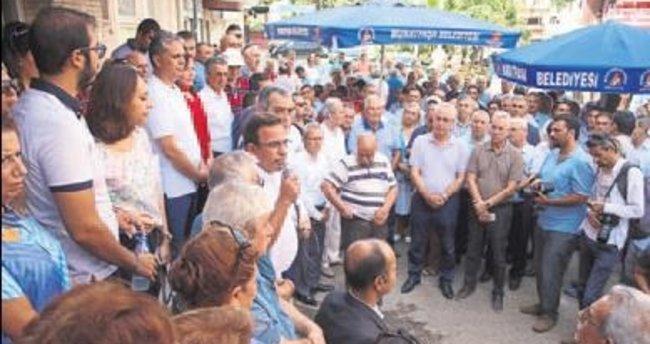 CHP Antalya dün bayramı kutladı