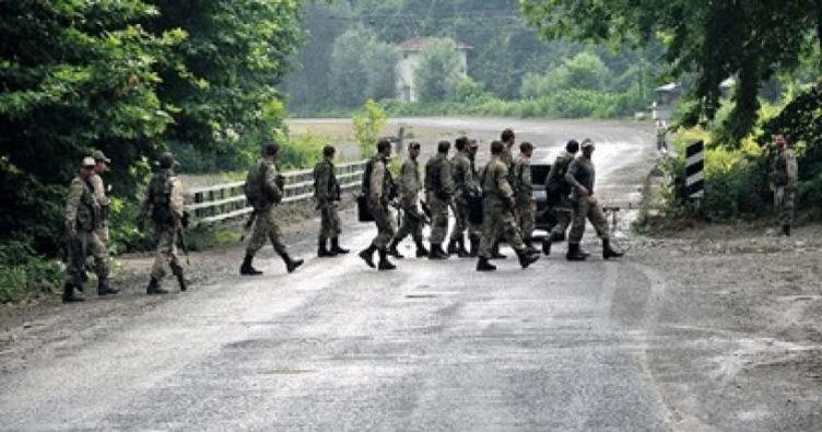 Foça'da askeri birlik arazisine yıldırım düştü: 7 yaralı