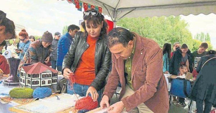 El dokumaları Kazakistan'da görücüye çıktı